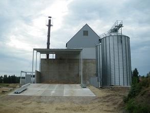 Biomasse Trocknung Gebäude mit Silo 293x220